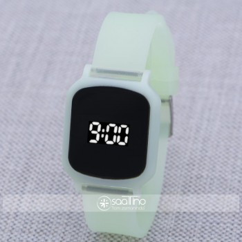 SaaTTino Yeşil Silikon Kordonlu Dokunmatik Led Ekran Kadın Genç Kız Kol Saati ST-303859